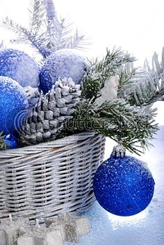 Beautiful blue and white Christmas decor - I think they might have used epsom salts for the snowy effect. Always looks like a winter wonderland to me. Blue Christmas Decor, Silver Christmas, Christmas 2016, Christmas Colors, Christmas And New Year, All Things Christmas, Christmas Wedding, Christmas Themes, Christmas Crafts