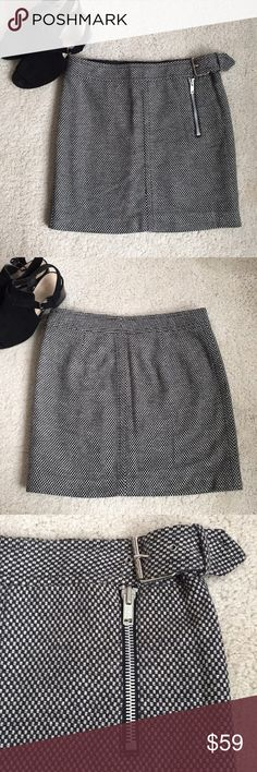 """JUST IN 🇨🇷TOMMY HILFIGER TWEED MINI SKIRT CLASSIC Tommy Hilfiger Tweed Mini Skirt. Features Decorative but Functional Zipper and Adjustable side buckle. Full Satin Lining. Dress up or down. A Basic Wardrobe """"Must-Have"""". A CLASSIC that is Always In Style. Tommy Hilfiger Skirts Mini"""