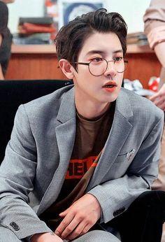 oh my god park chanyeol Kpop Exo, Exo Chanyeol, Kyungsoo, Exo Kai, Kaisoo, Exo Ot12, Chanbaek, K Pop, Exo Music