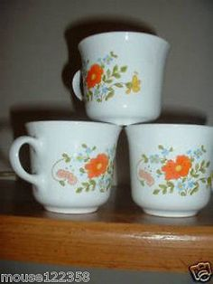 Lot of 3 Corning Ware Corelle mugs   cups Floral patter - http://glass-pottery.goshoppins.com/glass/lot-of-3-corning-ware-corelle-mugs-cups-floral-patter/