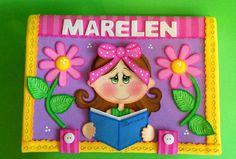 Bellos álbumes decorados Felt Crafts, Diy And Crafts, Crafts For Kids, Diy Carpet, Beige Carpet, Merian, Decorate Notebook, Bedroom Carpet, Happy Kids