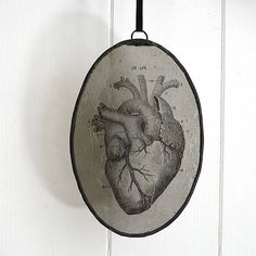 Vitrales ovalados corazón anatómico gótica Memento / Victorian