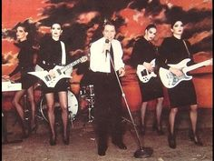Robert Palmer had the best backup band. even if they were just faking it. - City Tree Gala 2016 - Rock the Night Away - Girls Robert Palmer, All About Fashion, Love Fashion, Pantyhosed Legs, Addicted To Love, Centennial Park, Rock Videos, Anthony Vaccarello, Billboard Hot 100