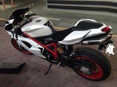 Ducati 848 evo 2012 - AED 47,000