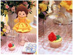 Fabiana Moura - Projetos Personalizados: Festa das Princesas Baby Disney, Disney Princess, Disney Characters, Cake, 1, Prince Party, 5 Years, Gift Boxes, Presents