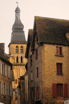 Sarlat, France by S. Lo