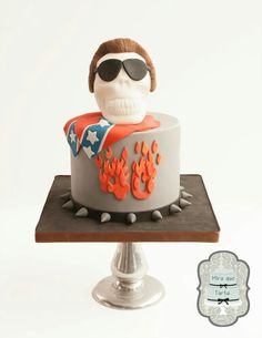 Rebel till death cake by @miraquetarta