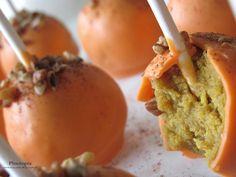 Wendi Hamel via Wendi Whitmire Pumpkin spice cake pops! Köstliche Desserts, Health Desserts, Delicious Desserts, Yummy Treats, Sweet Treats, Yummy Food, Dessert Healthy, Pumpkin Recipes, Fall Recipes