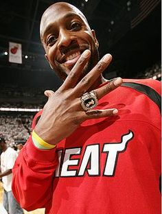 Alonzo Mourning (1 of the best shot blockers and defensive players). I loved his intensity.