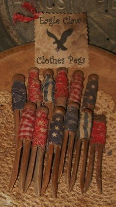 Primitive Americana Wood Clothes Pins Rag Wrapped Would be fun in an old wooden bowl or basket Americana Crafts, Patriotic Crafts, Patriotic Decorations, Country Crafts, July Crafts, Primitive Crafts, Primitive Christmas, Country Primitive, Summer Crafts