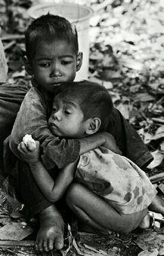 "Poverty "" World Children's Day - Precious Children, Beautiful Children, Poor Children, People Around The World, Around The Worlds, Baby Kind, My Heart Is Breaking, Photojournalism, Little People"
