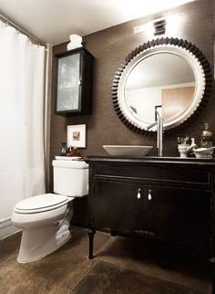 Dark & masculine bathroom - Eclectic loft studio - Pulp Design Studios