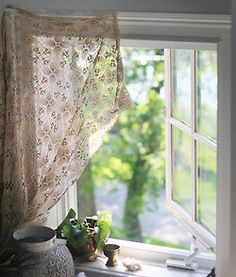 I almost always hate curtains. This I like..
