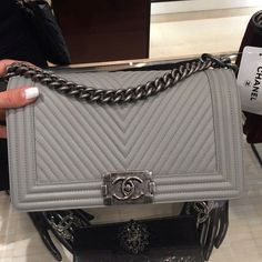 A Chanel handbag is anticipated to get trendy. So how could you get a Chanel handbag? Burberry Handbags, Chanel Handbags, Black Handbags, Fashion Handbags, Purses And Handbags, Fashion Bags, Chanel Bags, Burberry Bags, Girl Fashion