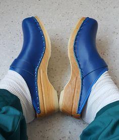 Blue Da Vinci clogs