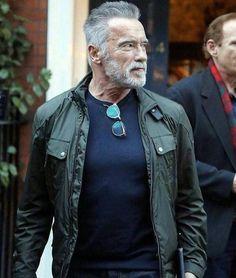 Old Man Fashion, Mens Fashion, Motivation Sportive, Arnold Schwarzenegger Movies, Bodybuilding, Hunks Men, Hipster Man, Older Men, Hair And Beard Styles