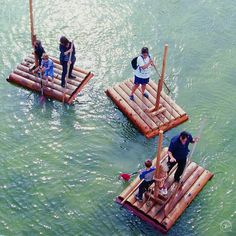 photos on the subject of water play Robert Baden Powell, Lake Games, Day Camp Activities, Bamboo Building, Water Playground, Childhood Games, Diy Boat, Games For Teens, Outdoor Learning