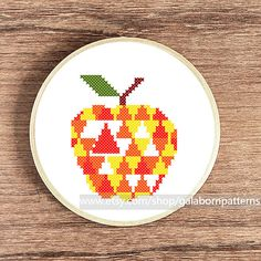Apple - Counted cross stitch pattern PDF - Geometric - Modern embroidery