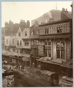 Medieval London : Aldgate high street