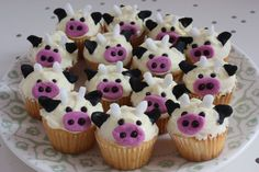 Cupcakes for our trip to the dairy farm