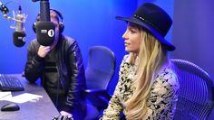 Resumen: Britney en Londres   Una semana agitada entre tantas entrevistas ha tenido la princesa del pop luego de su show en el Apple Music Festival  Esta semana luego de los Apple Music Festival Britney Spears y su equipo han estado dando entrevistas en distintos sitios de Londres hemos seguido Britney en su cuenta de instagram el cual ha compartido este viaje Britney no visitaba UK desde hace 3 años. Es normal hacer muchas entrevistas para distintas estaciones de Radio o TV y al tener un…