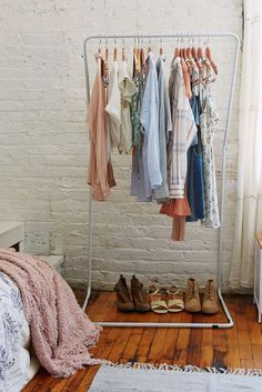 Leaning Clothes Rack