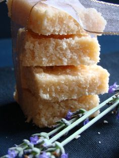 Amarula Coconut Ice - Lovely variation on coconut ice South African Desserts, South African Recipes, Fun Baking Recipes, Dessert Recipes, Cooking Recipes, Homemade Sweets, Sweet Bar, Big Meals, Best Dishes