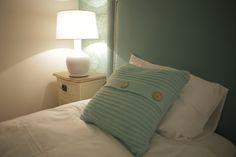 Arquiteto Luís Pedro Abreu | Quarto | Bedroom | Cama | Single Bed | Bedside table | Cushions | Pillows | Candeeiro | Table Lamp | Home | Interior | Design