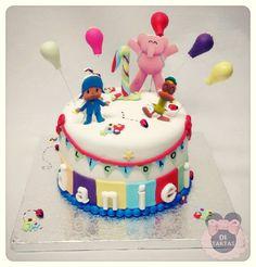 Merche vino un poco apurada de tiempo para encargar la tarta de cumple de su niño. La temática la tenía muy clara: POCOYO y el resto lo dejaba en nuestras manos. Le ofrecimos hacer los personajes en impresión comestible en 3d y el resultado le encanto!!! #birthdaycake #cakes #pocoyo #3D #cumpleaños #tartas #reposteríaCreativa #repostería #DiTartas #Petrer #Elda #Alicante by di_tartas