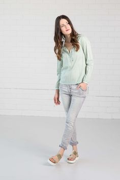 NILE - Primavera 2017 - Long-sleeve Turquoise blouse with Grey jeans . #lookbookoutfits #lookbookfashion #lookbookphotoshoots