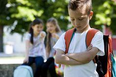 Mobbingleitfaden für Eltern - Spaß unter Gleichaltrigen oder Mobbing? Mobbing an Schulen, sei es unter Schülern oder zwischen Schülern und Lehrern, wird leider immer mehr zu einem Thema, vor dem wir nicht die Augen verschließen können. Die Zahl der Mobbing-Fälle ist in den letzten Jahren deutlich gestiegen, das Internet und s...
