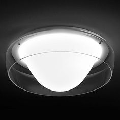 The Leucos Lighting Jellyfish 40 Wall/Ceiling Light creates visual drama with its smooth, voluptuous form and provides a layer of crisp illumination. The Jellyfish 40 Ceiling/Wall Combo features a Clear hand-blown glass shade and metal supports.