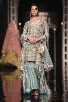 Baal paaki bridal inspo for bride Nikkah Dress, Pakistani Formal Dresses, Pakistani Wedding Outfits, Pakistani Dress Design, Bridal Outfits, Indian Dresses, Indian Outfits, Shadi Dresses, Party Outfits