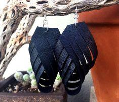30 простых идей: кожаные украшения своими руками - Ярмарка Мастеров - ручная работа, handmade