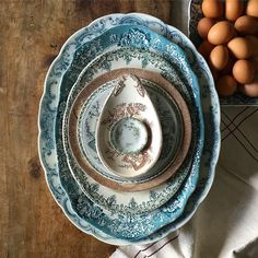 Vintage Cutlery, Vintage Tableware, Vintage Plates, Vintage Dishes, Vintage Recipes, Blue Plates, Plates And Bowls, China Plates, Antique China