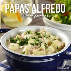 Video de Papas Alfredo Delicious alfredo potatoes perfect to eat as a guanition. Mexican Food Recipes, Dinner Recipes, Deli Food, Cooking Recipes, Healthy Recipes, Cooking Grill, Cooking Tools, Cooking Ideas, Food Dishes