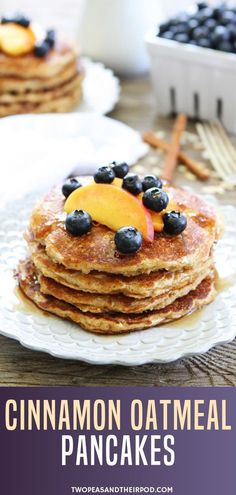 Want to know the recipe of these easy oatmeal pancakes These cinnamon oatmeal pancakes with fresh fruits and maple syrup are hearty treats to enjoy with the family in the mornings! this pin and make some batch later! Waffle Recipes, Oatmeal Recipes, Brunch Recipes, Cookie Recipes, Dessert Recipes, Pancake Recipes, Desserts, Delicious Breakfast Recipes, Good Healthy Recipes