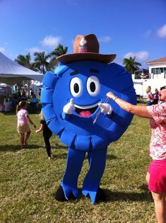 The Fair Ribbon finds home in South Florida - where it's pretty hot! ☀️Make sure you're keeping your performer cool this Summer! Get tips in the link 👍 South Florida, Outdoor Activities, Fundraising, Minions, Ribbon, Action, Seasons, Cool Stuff, Link