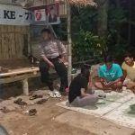 Usai Sholat Tarawih Bhabinkamtibmas Sambangi Pos Kamling