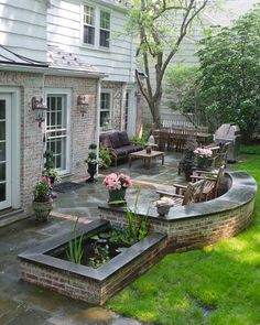 Amazing Backyard Patio Remodel Ideas Go ahead and have an affordable backyard mini make-over and buy great-looking pieces of outdoor furniture. Check out websites of […] Large Backyard Landscaping, Brick Patios, Patio Remodel, Large Backyard, Backyard Makeover, Outdoor Living, Dream Backyard