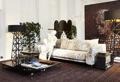 Moooi showroom Amsterdam | Photography by Nicole Marnati | Mannequins by Hans Boodt Mannequins