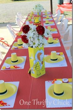 Google Image Result for http://2.bp.blogspot.com/-3ttGijLR2co/UDZ0Qwv68OI/AAAAAAABGCU/9ETvgsm0QxU/s1600/curious_george_party.jpg