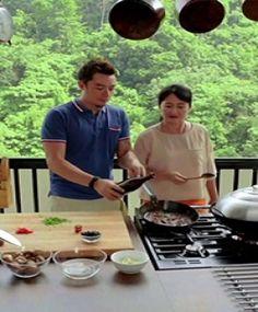 Acara yang sangat menarik bagi pengemar kuliner. Berbagai acara dalam TV Asian Food Channel ini menghadirkan berbagai macam masakan dari seluruh dunia.
