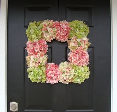 Spring Hydrangea WreathSquare Spring Wreath door elegantholidays