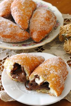 Panzerotti with Nutella shared by @ SweetHelen Mexican Food Recipes, Sweet Recipes, Dessert Recipes, Italian Desserts, Italian Recipes, Italian Foods, Delicious Desserts, Yummy Food, Healthy Food
