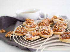 Nusstorte order now Caramel Cupcakes, Caramel Buttercream, Blueberry Crumble Bars, Caramel Tart, Apple Desserts, Quinoa, Dairy Free, Breakfast Recipes, Brunch