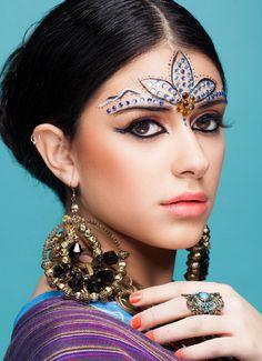 #ClippedOnIssuu from Make Up Power #3 Maquillaje Hindu