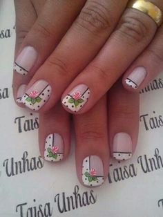 Designer nails can really make you look fashionable and chic. Nail art is one way to make your nails look … Diy Xmas, Diy Christmas Nail Art, Christmas Nail Art Designs, Nail Designs Spring, Christmas Present Nails, Holiday Nails, Spring Nails, Summer Nails, Flower Nail Art