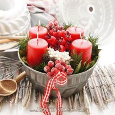 Adventskranz im Landhausstil, rot weiße Landhaus Deko selber machen, o Advent wreath in country house style, red white country house deco make yourself, original and [. Christmas Advent Wreath, Christmas Candles, Christmas Crafts, Christmas Decorations, All Things Christmas, Christmas Time, Merry Christmas, Decorate Your Own Cake, Vase Design