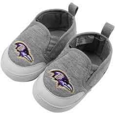 Baltimore Ravens Infant Booties :) how precious! Be awesome if it was also for MLB!